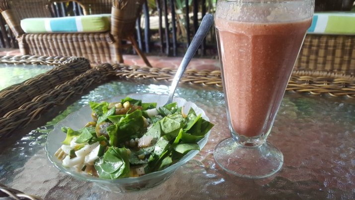 11.22 Salad & Smoothie.jpg