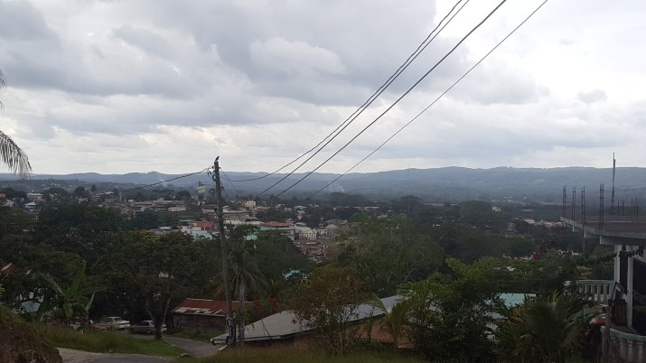 View of SI from Santa Elena shortcut.jpg